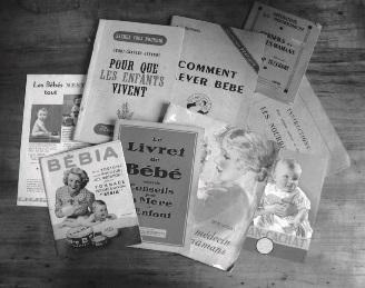 7bd0f0f638604 Les brochures et livres de puériculture d une famille ayant eu deux enfants  nés en 1937 et 1946