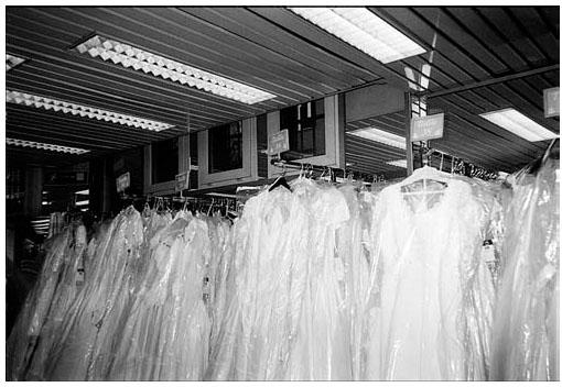 robes de marie chez tati photo de lauteure 2002 - Tati Mariage Paris Barbes