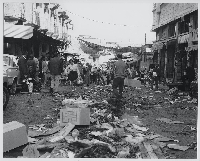 Photographie des souks de Beyrouth publiée dans le rapport annuel de  Solidere 2012 (livret de photographies).