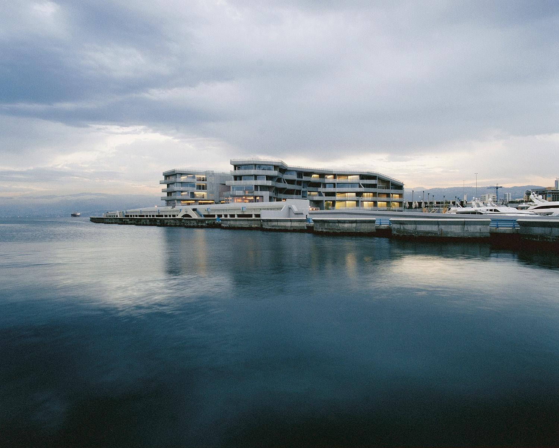 Photographie de la marina et du Yachtclub de Beyrouth publiée dans le  rapport annuel de Solidere 2012 (livret de photographies).